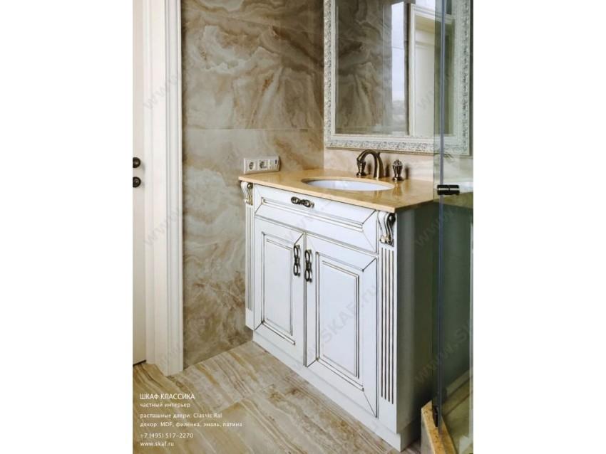 Шкаф для ванной комнаты Классика 005 с распашными дверьми из МДФ, декорированный  патиной