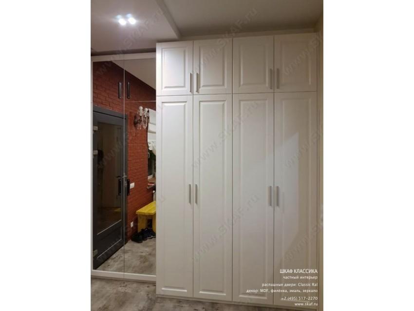 Шкаф Классика 007 с распашными дверьми из МДФ окрашеный белой эмалью